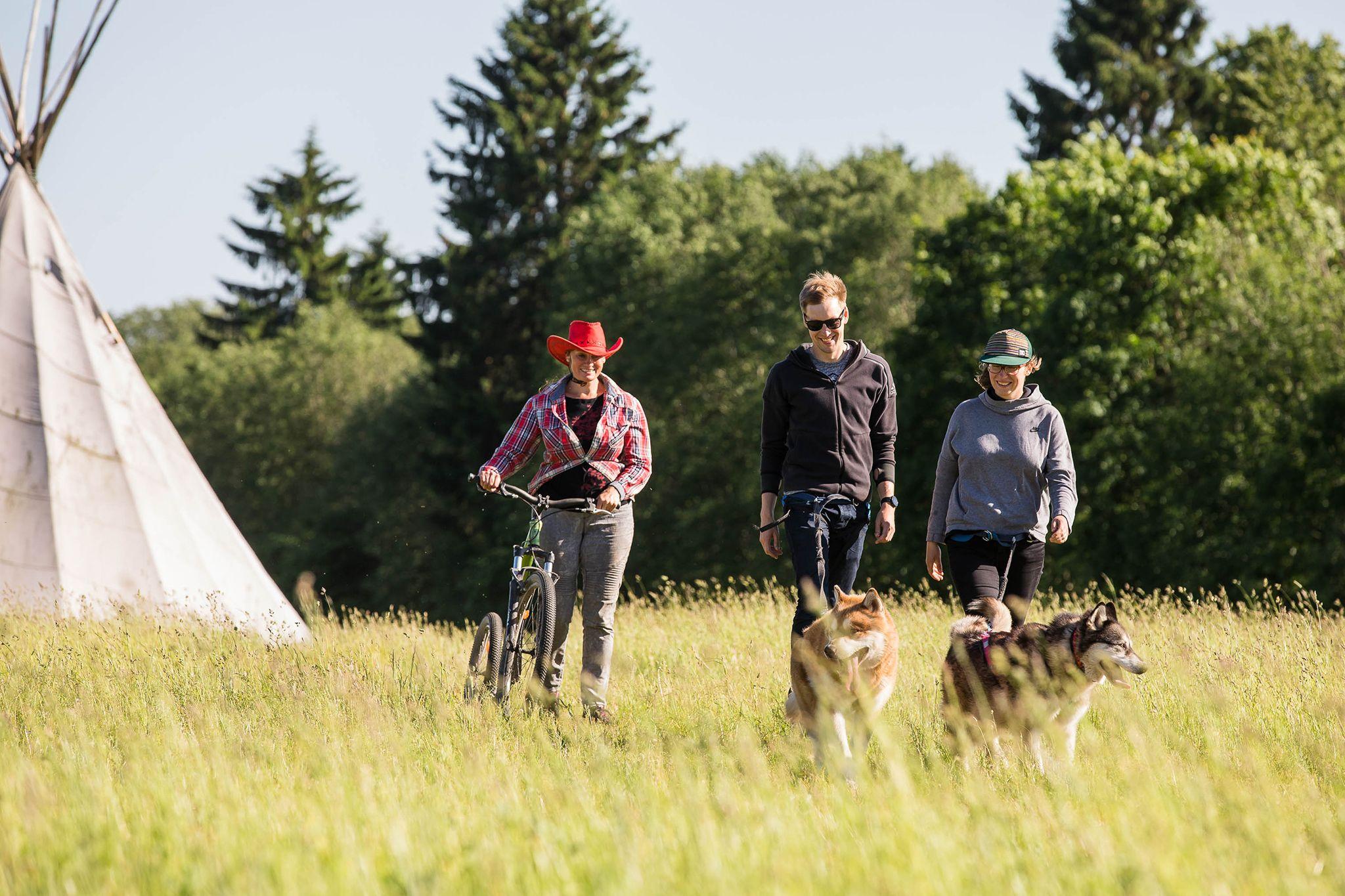 Hellerkantri Huskypark kelgukoerte matkad juunikuuus Raplamaal